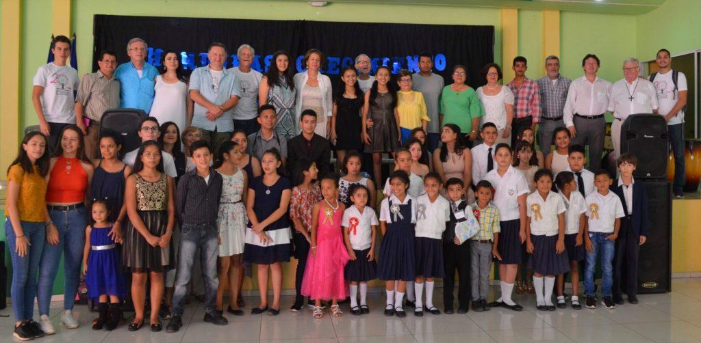 Bénévoles de l'Association réunis à Taulabé